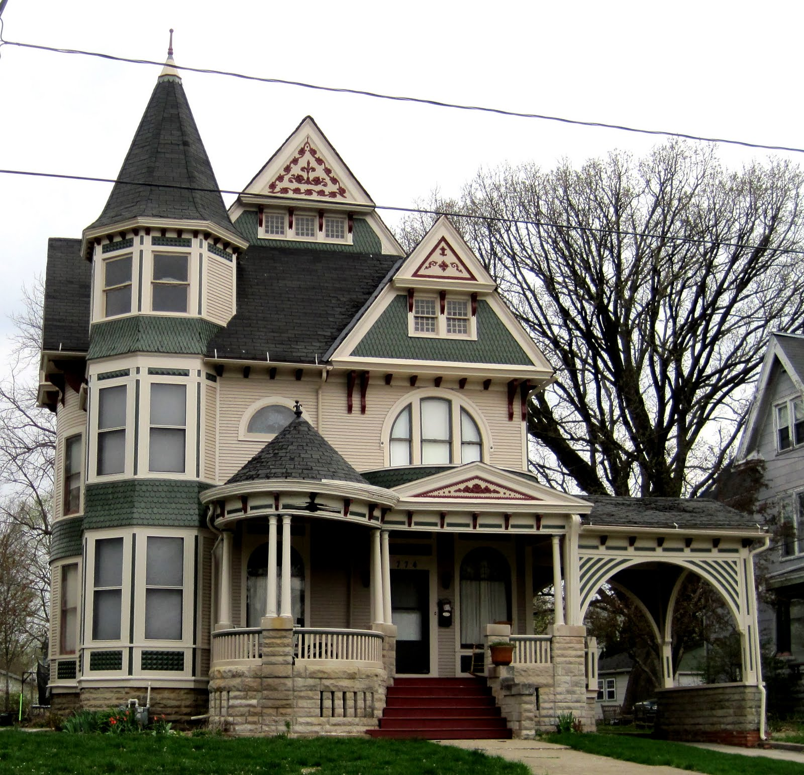 Victorian style houses photos Vintage home architecture